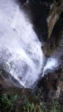 gainfeldwasserfall-sicht-von-oben-auf-dem-wasserfall