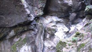 liechtensteinklamm-schildkroete-aus-stein